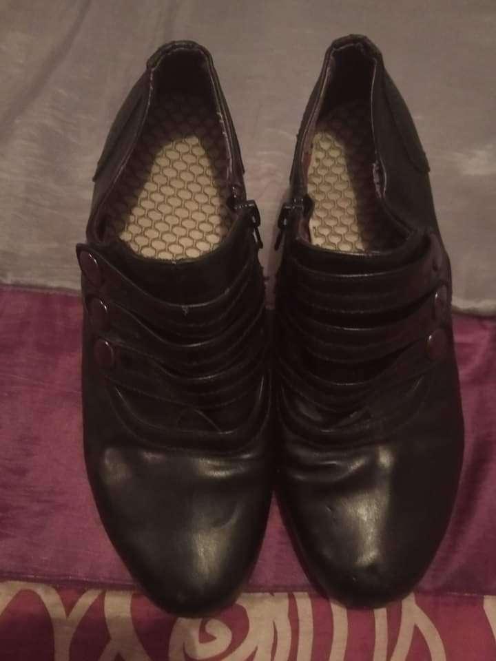 Imagen zapatos negros Número 37