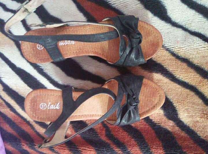 Imagen sandalias negras número 37