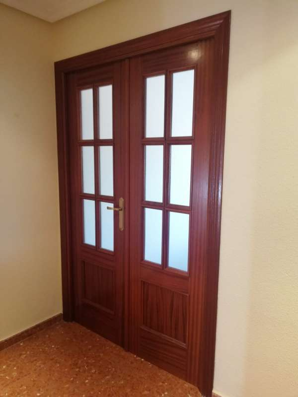 Imagen Puerta doble vidriera sapely