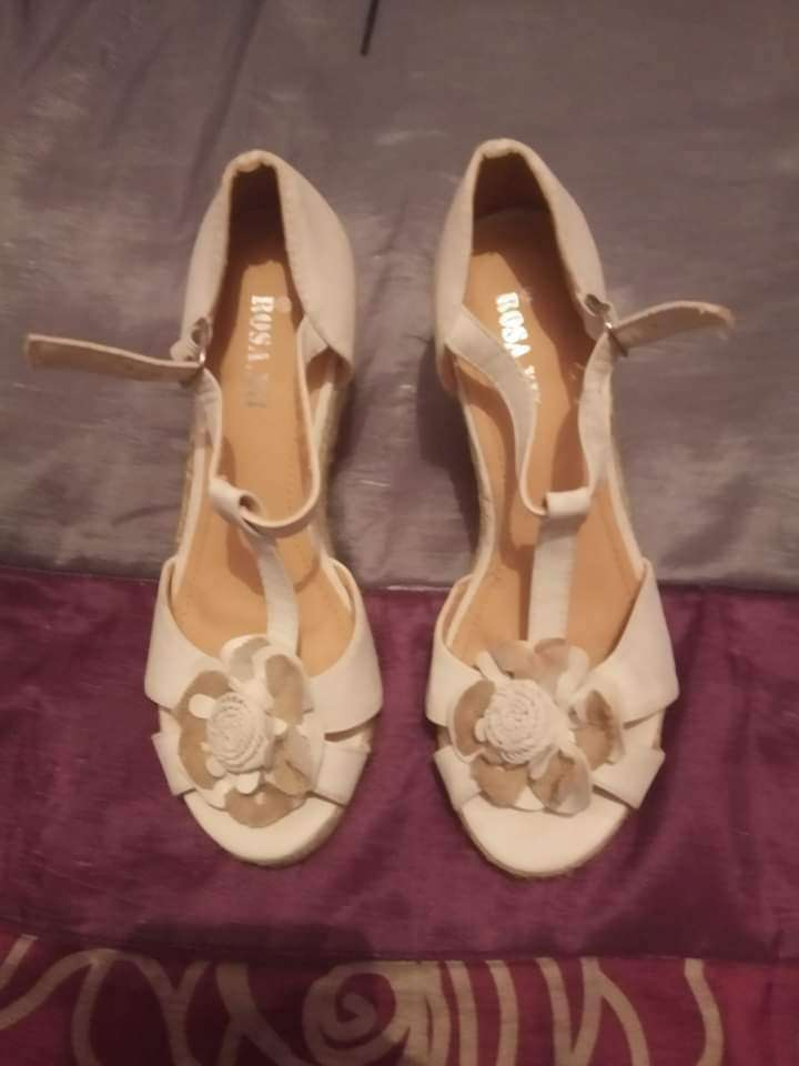 Imagen sandalias blancas número 37