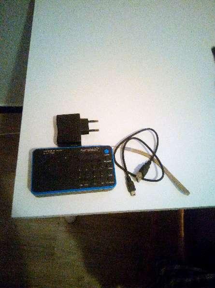 Imagen Equipo de música mas cable y cargador incluido.