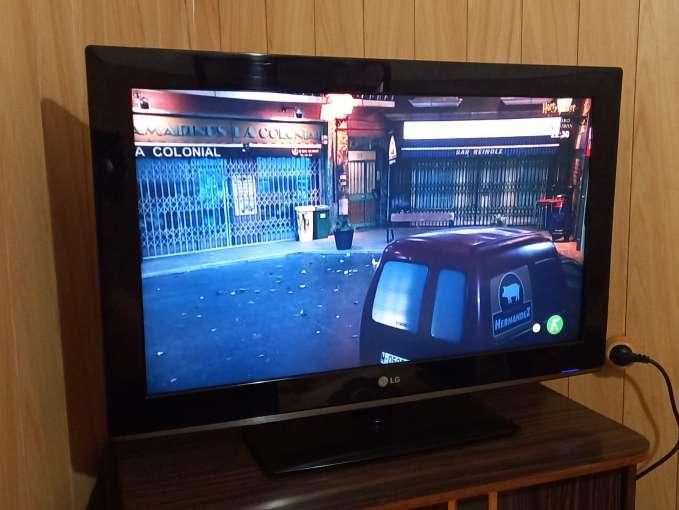 Imagen televisión LG 32 pulgas nueva