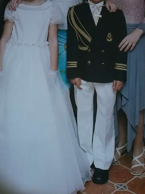 Imagen vestido y traje de comunion
