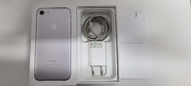 Imagen se vende iPhon7 silver 128GB