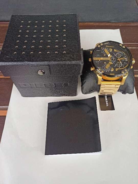 Imagen Reloj Diesel Mr.Dadyy 2.0 DZ7333 dorado y negro