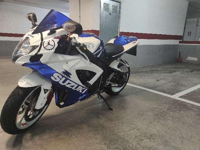 Imagen moto GSXR750