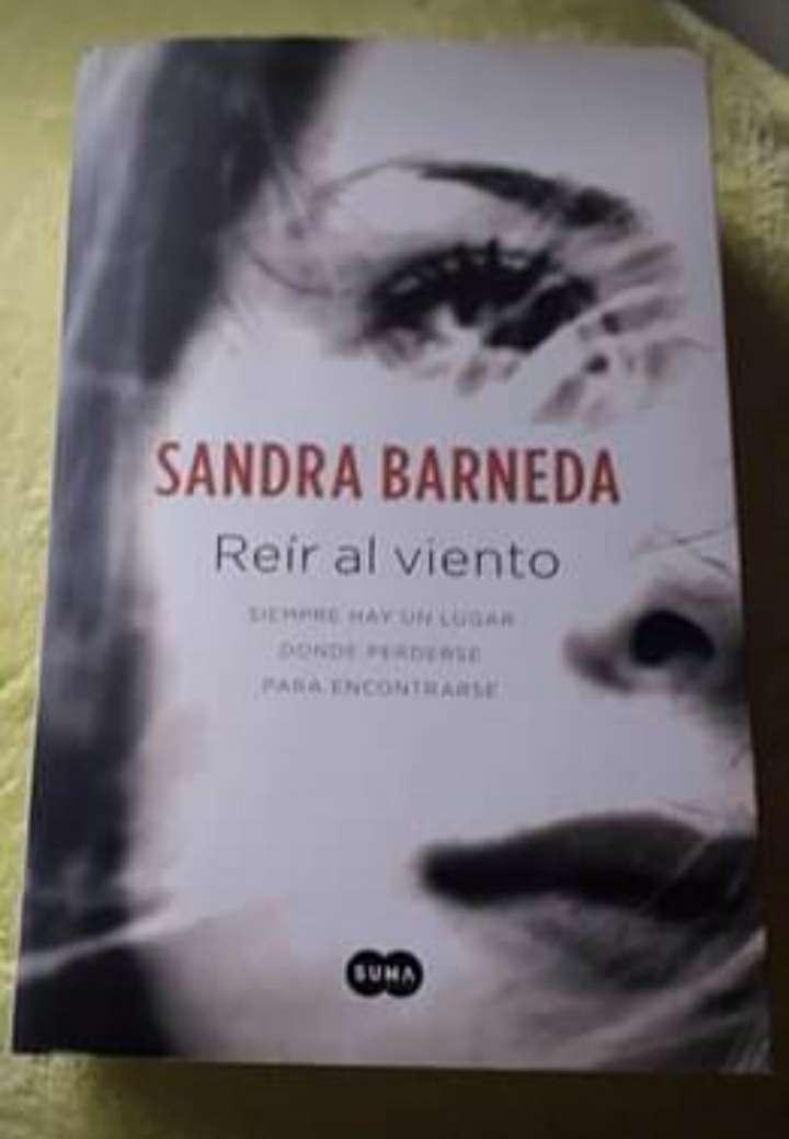 Imagen Reír al viento (Sandra Barneda)