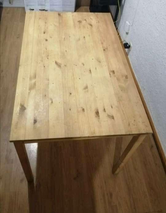Imagen Mesa comedor de pino