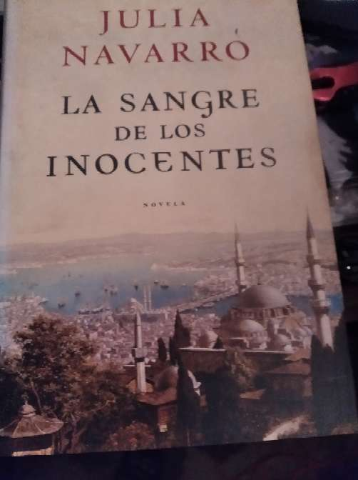Imagen novela la sangre de los inocentes de Julia navarro