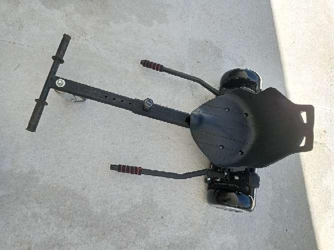 Imagen patinete eléctrico con sillin