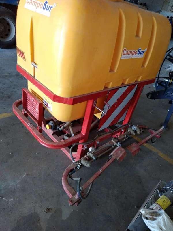 Imagen atomizador 1000 litros solo 1 dia de uso y con barra de ervicida incorporada
