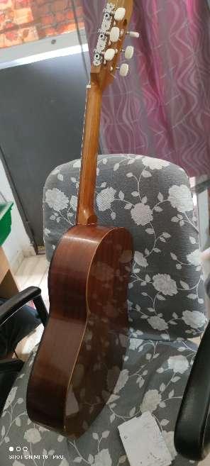 Imagen guitarra admira infante
