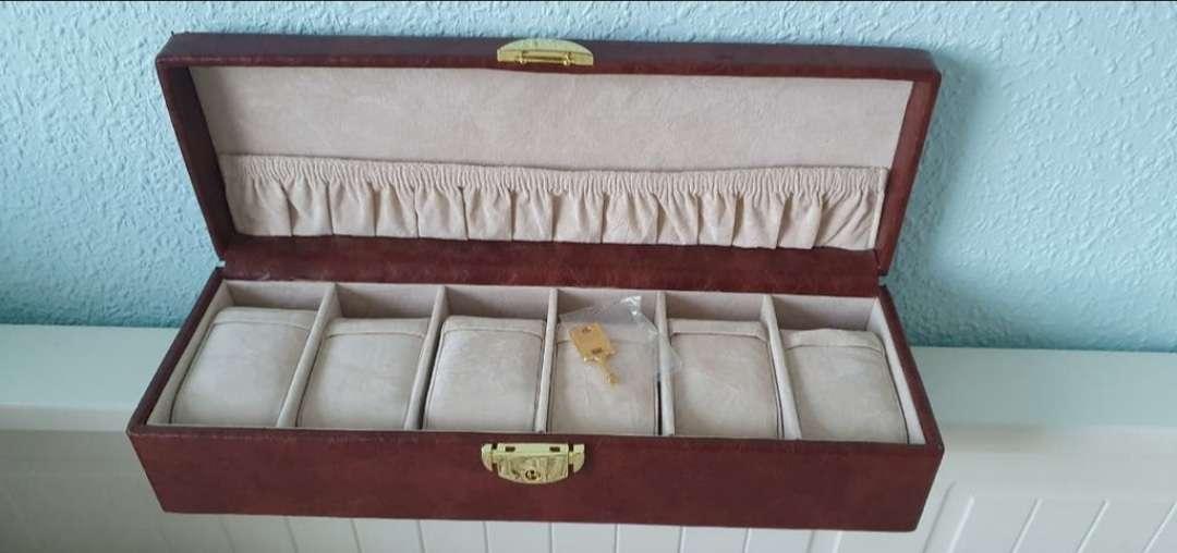 Imagen Caja para relojes con llave